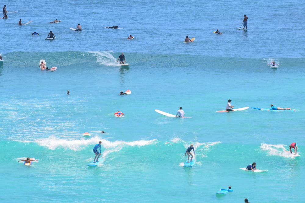 canoes-surf-waikiki.jpg#asset:3175